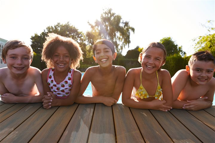 Cool Deck Time Fun in the Summer Sun: 3 Tips to Beat the Heat