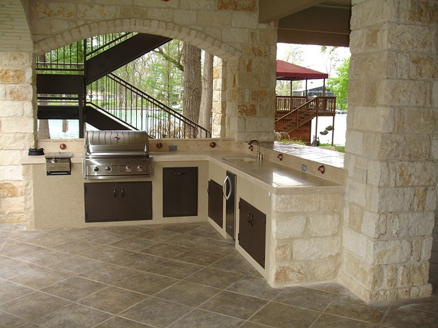 Designing Stylish and Functional Outdoor Kitchens